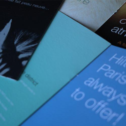 Création et fabrication de brochures pour les Hilton Arc du Triomphe et Paris La Défense.